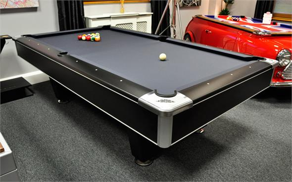 Brunswick Centurion American Pool Table   8ft, 9ft