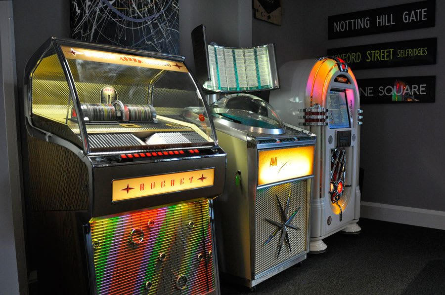 home-leisure-direct-showroom-jukeboxes-idas-barn.jpg