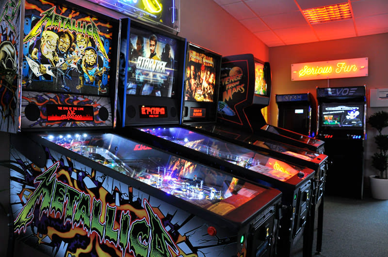 home-leisure-direct-pinball-machines-showroom.jpg