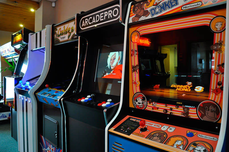 home-leisure-direct-showroom-arcade-machines.jpg