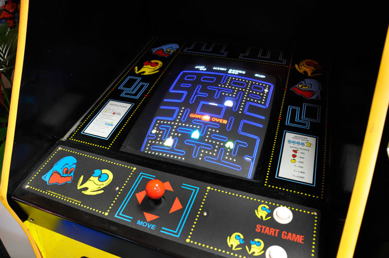 Vintage Pac-Man Arcade Machine - Screen