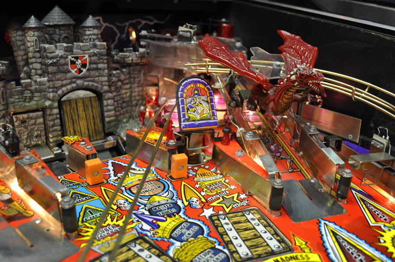 Medieval Madness Pinball Machine - Dragon