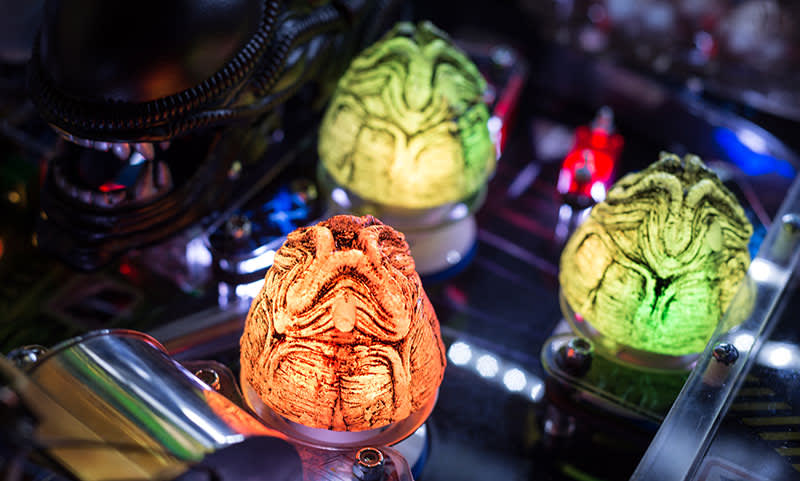 Alien Pinball Machine - Illuminated Egg Bumpers