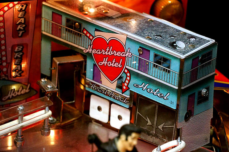 Elvis Pinball Machine - Heartbreak Hotel