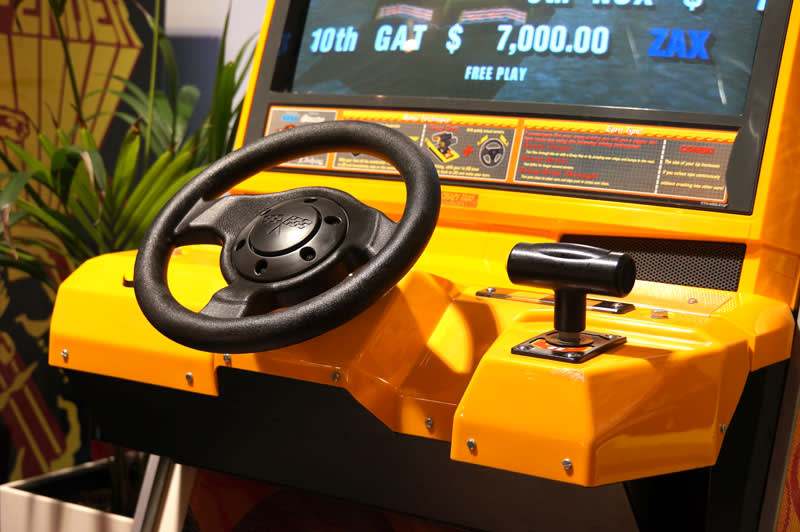 Crazy Taxi: High Roller Arcade Machine - Controls