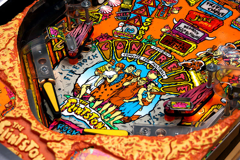The Flintstones Pinball Machine - Flippers