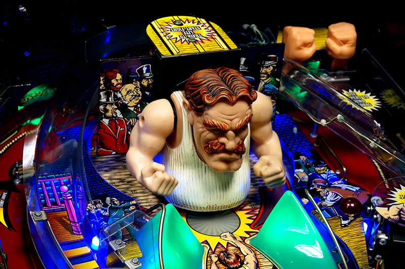 The Champion Pub Pinball Machine - Boxer