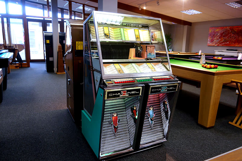 Seeburg 222 Vinyl Jukebox - In Showroom