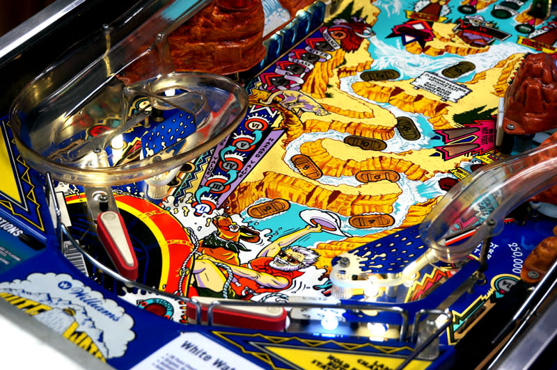 White Water Pinball Machine - Flippers