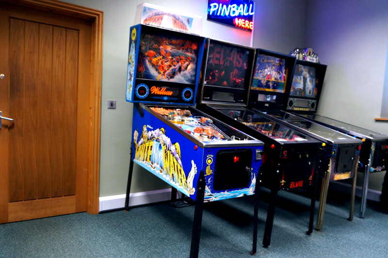 An image of White Water Pinball Machine