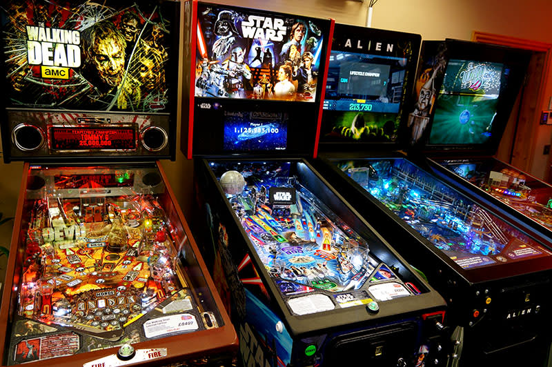Star Wars Pro Pinball Machine - In Showroom