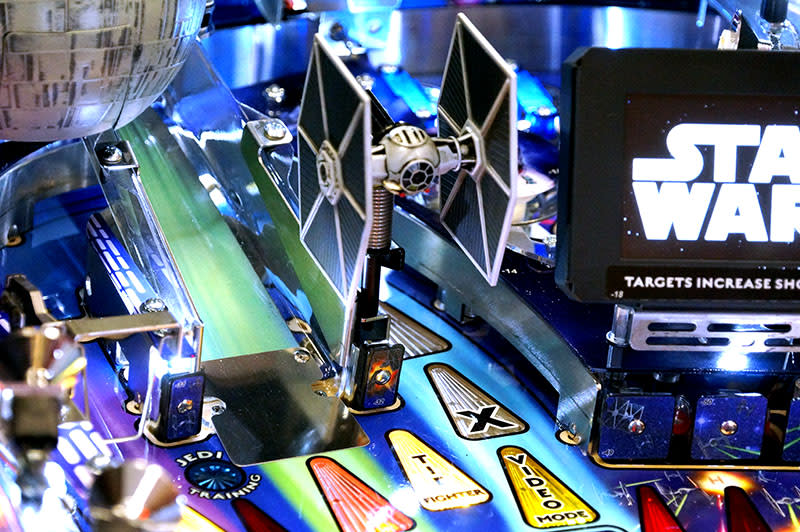 Star Wars Pro Pinball Machine - Tie Fighter