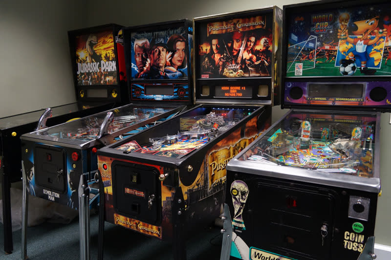 An image of Pirates of the Caribbean Pinball Machine