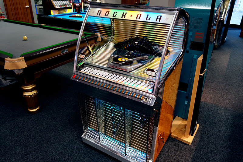 Rock-Ola 1454 Vinyl Jukebox | Free Delivery and Installation!