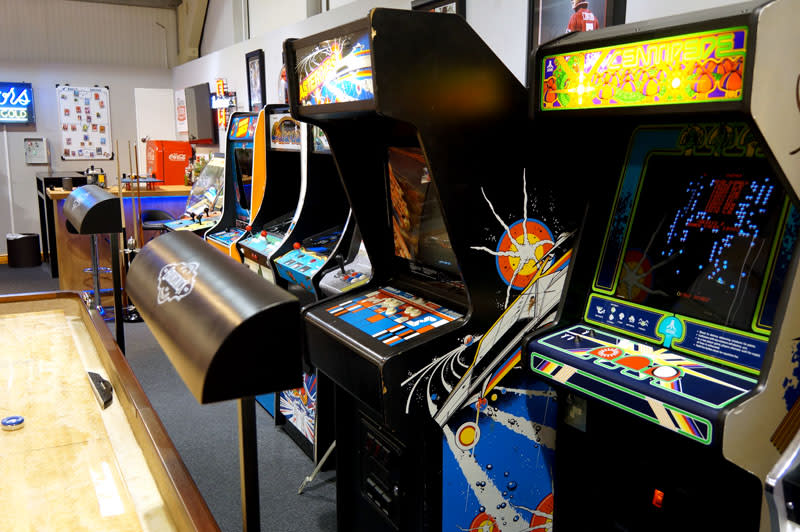 An image of Asteroids Arcade Machine
