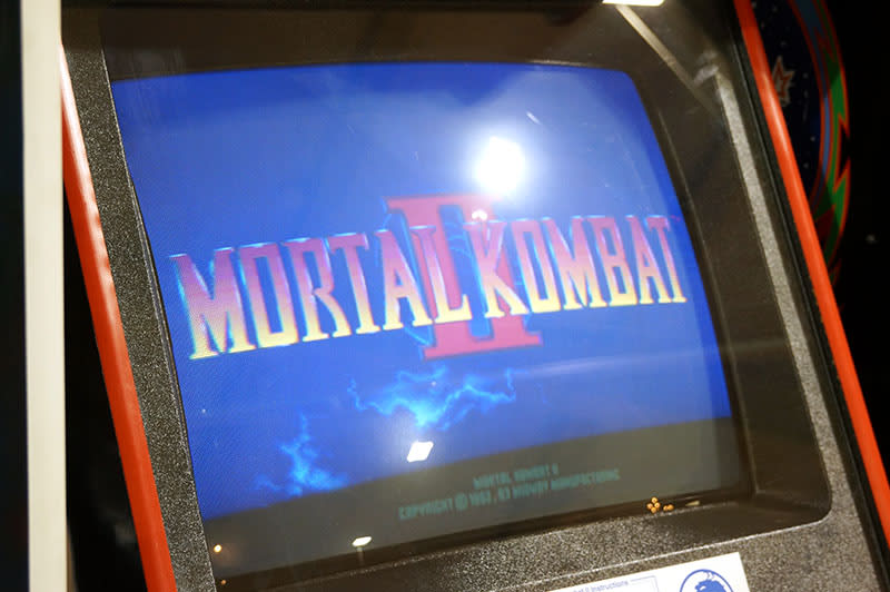 Mortal Kombat 2 Arcade Machine - Title Screen