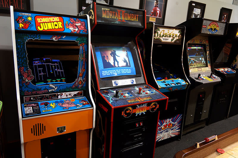 An image of Mortal Kombat 2 Arcade Machine