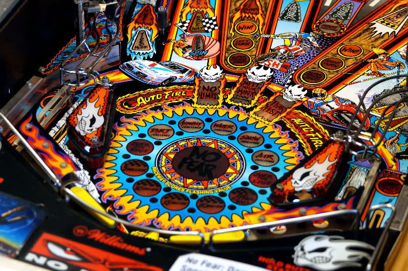 No Fear Pinball Machine - Flippers