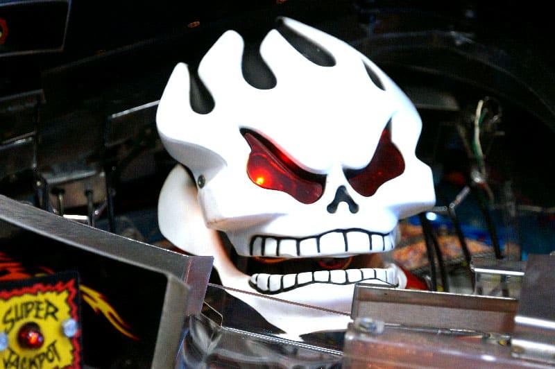 No Fear Pinball Machine - Skull