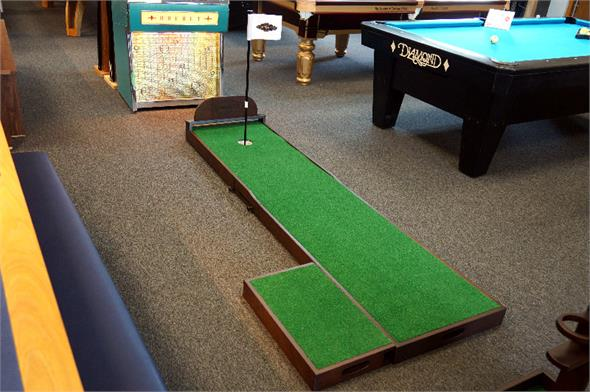 Brunswick The Ross 8ft Putting Green
