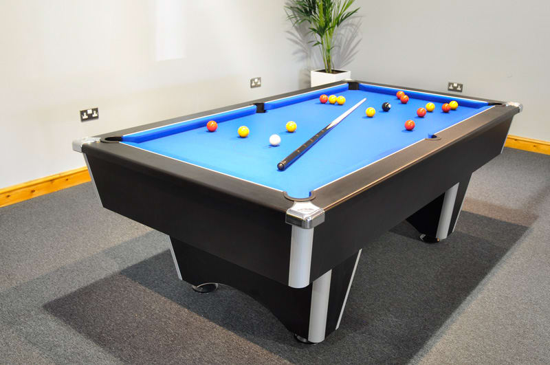 An image of Signature Champion Pool Table: Black - 6ft, 7ft