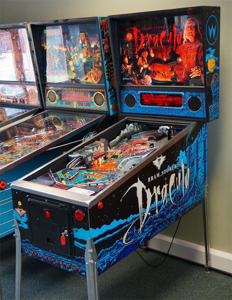 An image of Bram Stoker's Dracula Pinball Machine