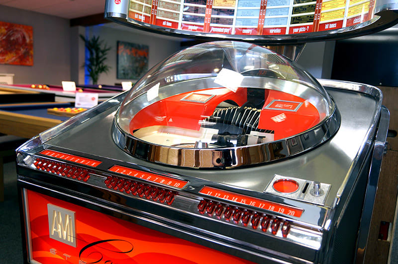 Ami Continental 2 Vinyl Jukebox - Dome