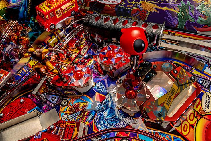Deadpool LE Pinball Machine - Bumpers Area