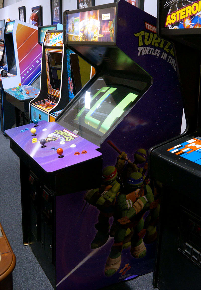 Teenage Mutant Ninja Turtles: Turtles In Time Arcade Machine - In Showroom