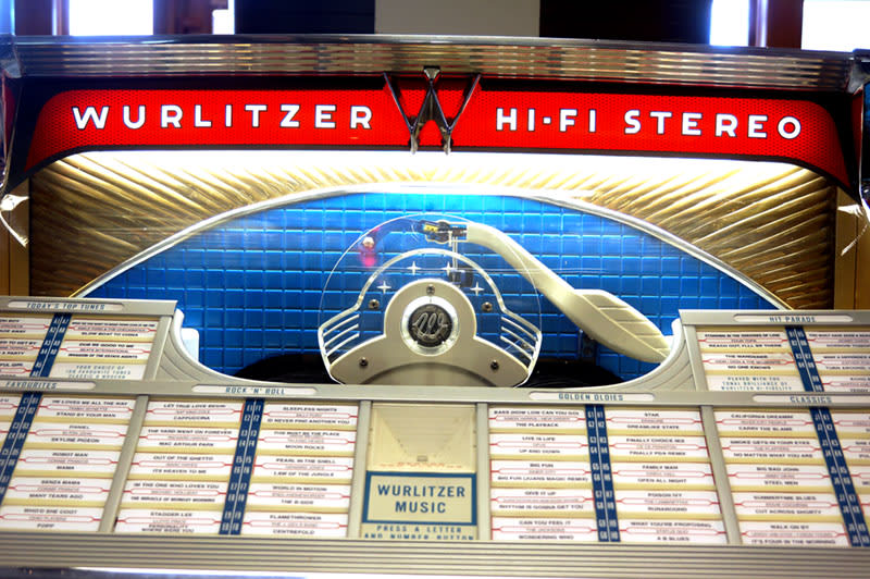Wurlitzer 2410S Vinyl Jukebox - Front