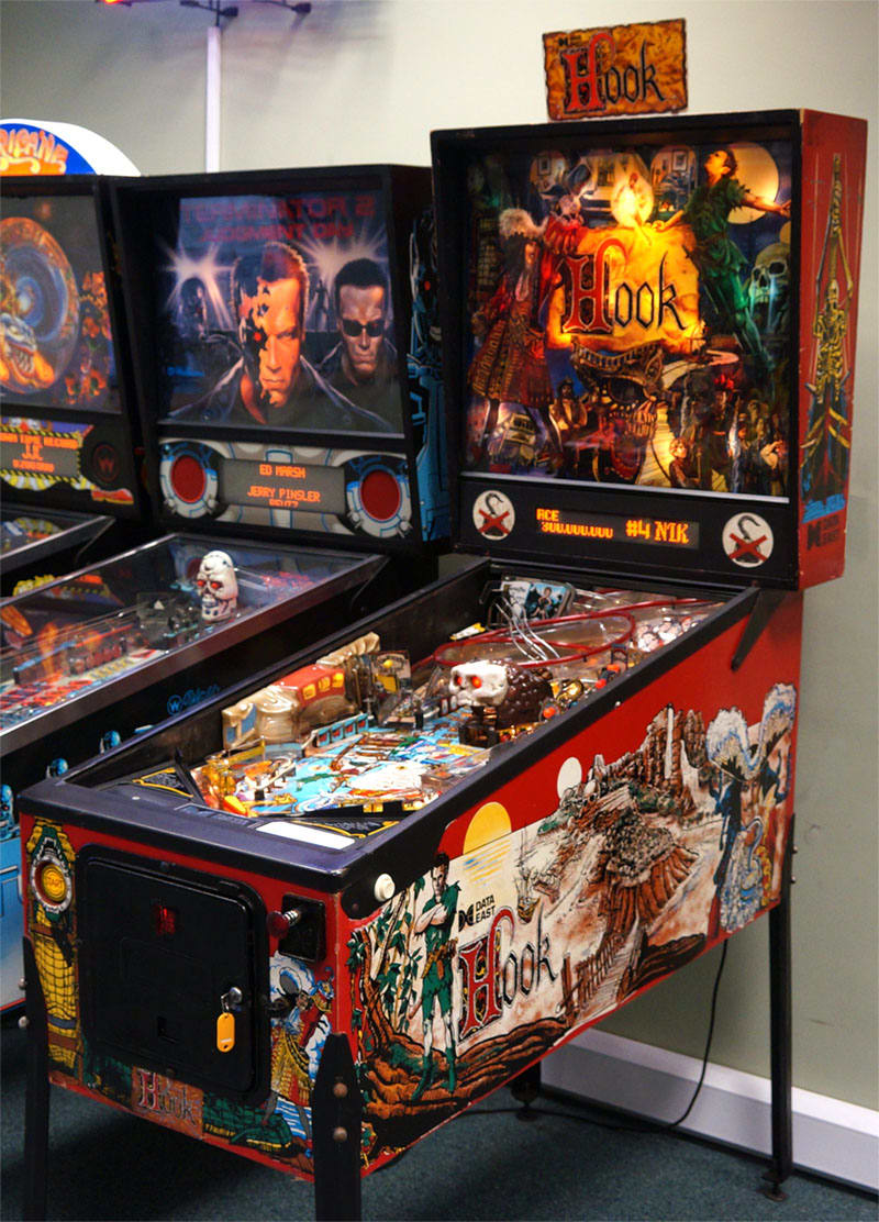 An image of Hook Pinball Machine