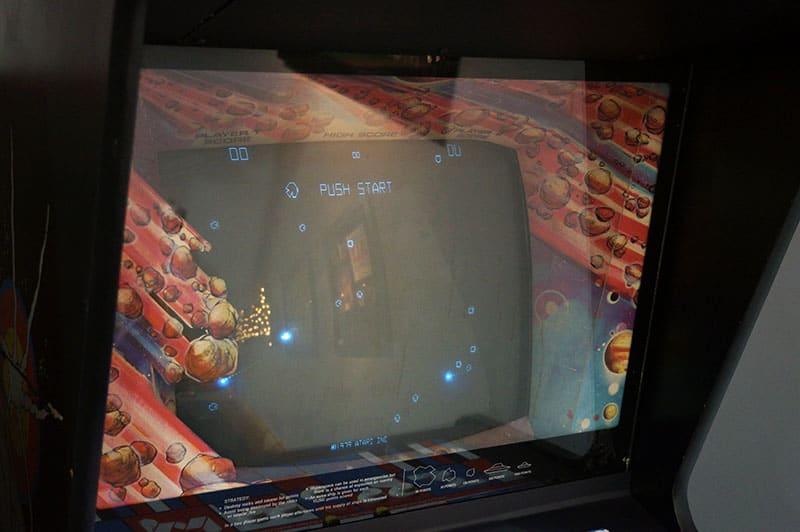 Asteroids Vintage Arcade Machine - Screen