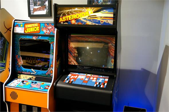 Asteroids Arcade Machine: Warehouse Clearance