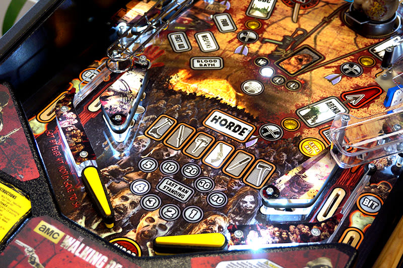 the-walking-dead-pinball-machine-pro-flippers.jpg