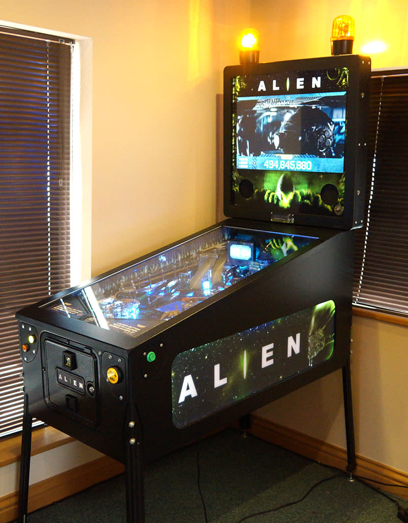 Alien Limited Edition Pinball Machine
