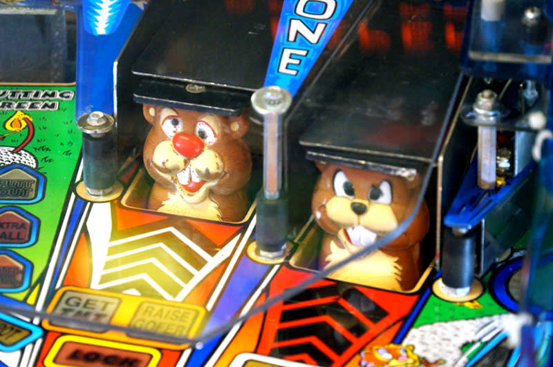 No Good Gofers Pinball Machine - Gophers
