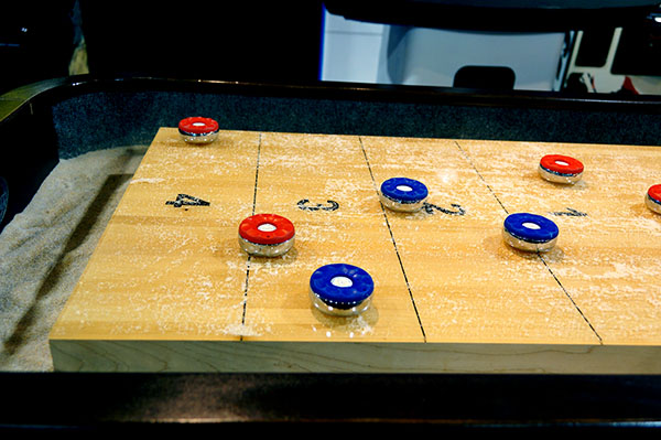 How To Play Shuffleboard - Plank