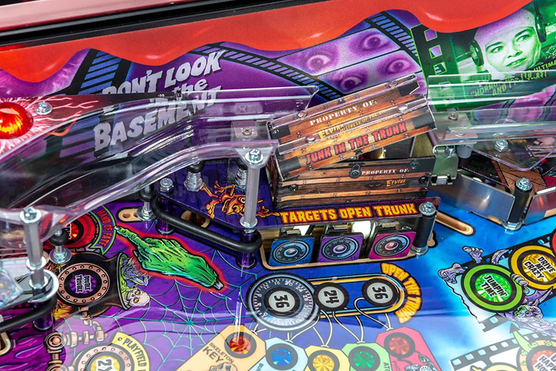 Elvira's House of Horrors Pinball Machine Limited Edition - Junk in the Trunk (Open)