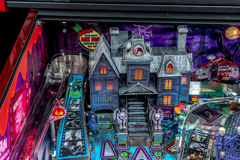 Elvira's House of Horrors Pinball Machine Limited Edition - House of Horrors