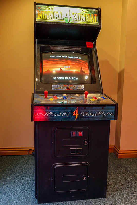 Mortal Kombat 4 Arcade Machine - Front