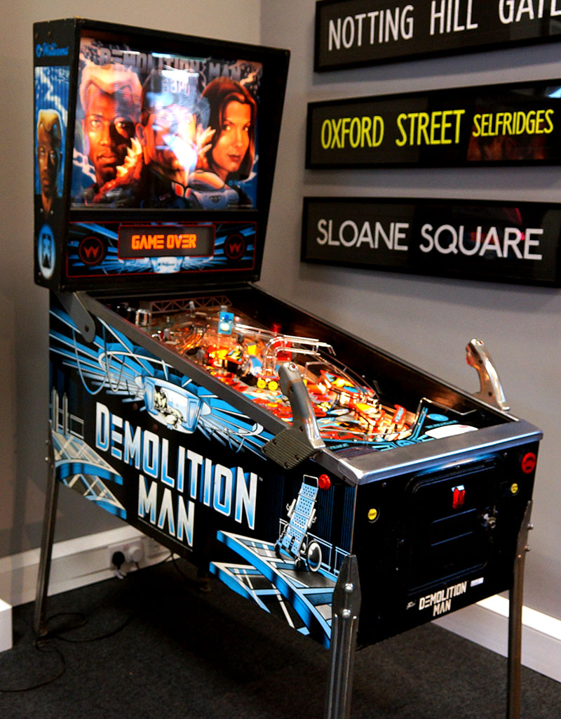 An image of Demolition Man Pinball Machine