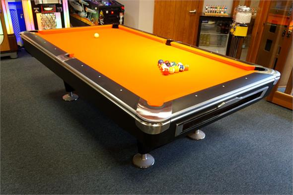Signature Lincoln American Pool Table: All Finishes - 7ft, 8ft
