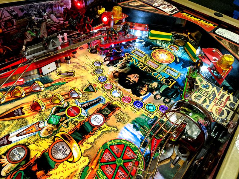 Lord Of The Rings Pinball Machine - Flippers