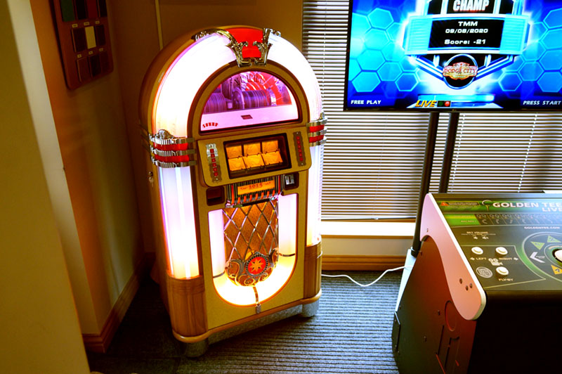 Sound Leisure SL15 CD Jukebox - In Showroom